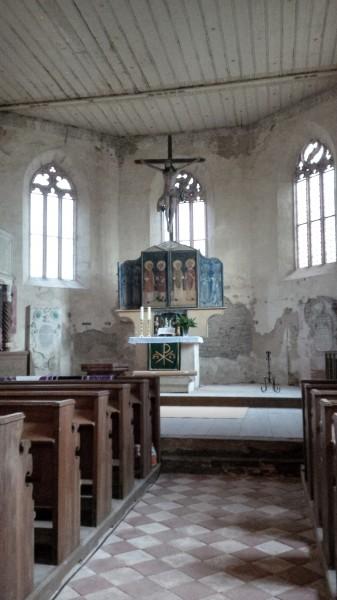 Innenraum der Hergisdorfer Kirche.