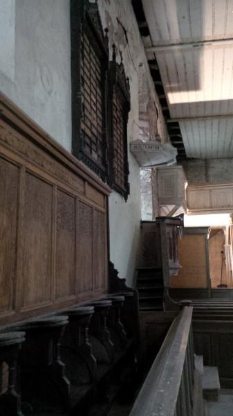 Chorgestühl in der Hergisdorfer Kirche.