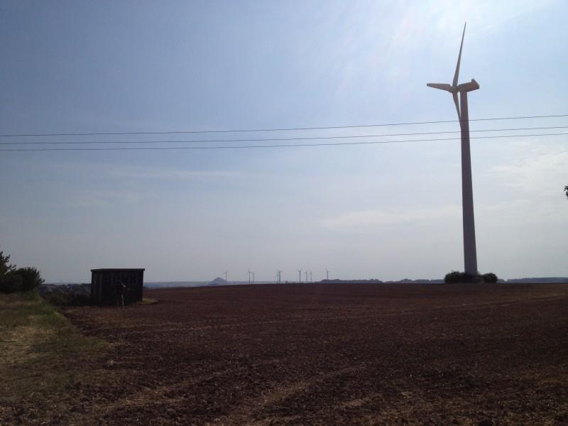 Windmühle bei Mansfeld mit Blick auf die Kegelhalde.