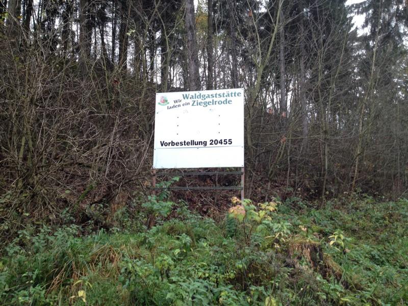 Hinweisschild am Ortsausgang von Ziegelrode.